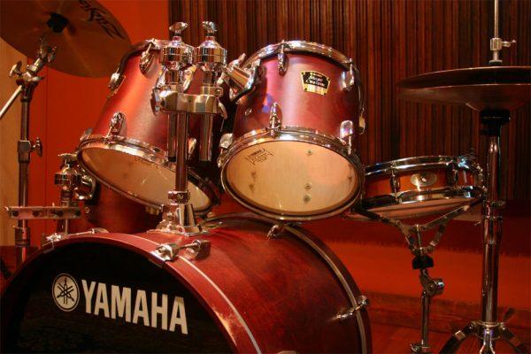 Yamaha Stage Custom Drumset